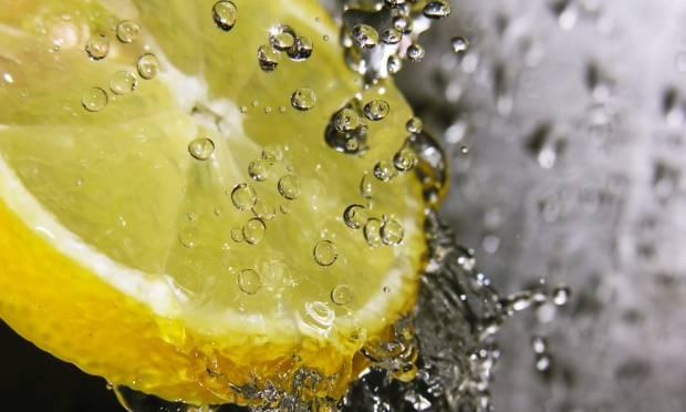 Vimos que o limão pode auxiliar no emagrecimento e trazer vários benefícios à saúde, mas ele possui outras propriedades