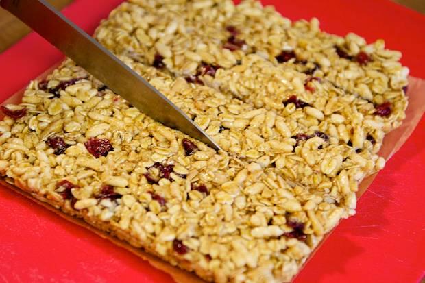 Como fazer barra de cereal para manter a forma (Foto: Divulgação)