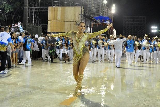 Samba ajuda a emagrecer e ficar em forma